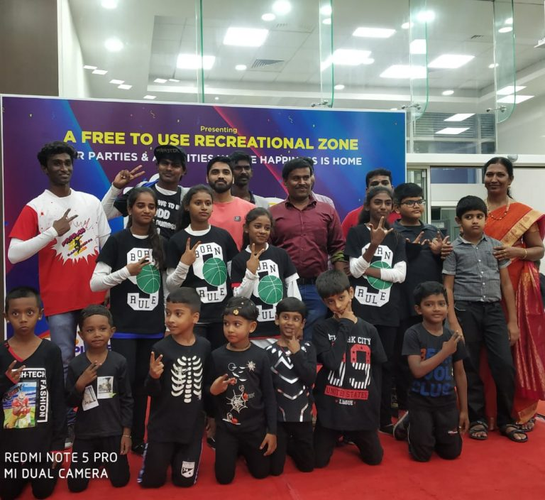 Performance in Salem Reliance mall